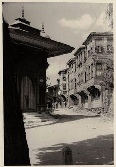 Ayasofya İmaret Kapısı ve Soğukçeşme Sokağı,1950 SALT Araştırma- IFEA Arşivi