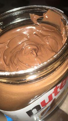 I love Nutella Food Porn, Junk Food Snacks, Snap Food, Food Snapchat, Snapchat Posts, Snapchat Stories, Night Food, Hazelnut Spread, Food Goals