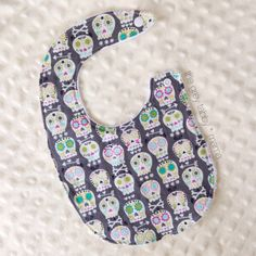 Grey Sugar Skull #Baby Bib by thegreytabbymama on #Etsy