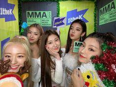 Kpop Girl Groups, Korean Girl Groups, Kpop Girls, K Pop, Mma 2019, Programa Musical, Just The Way, New Girl, Music Awards