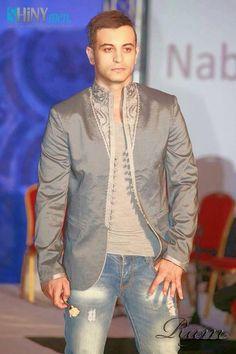 Mens Hottest Fashion, Mens Fashion, Fashion Outfits, Kaftan Men, Style Oriental, Style Masculin, Arab Men, Moroccan Caftan, Sherwani