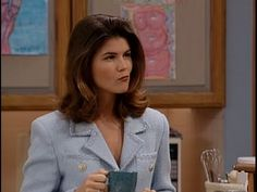 6 Reasons Aunt Becky Was A '90s Feminist Icon - MTV