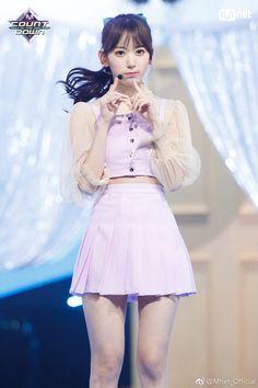 K-Pop Babe Pics – Photos of every single female singer in Korean Pop Music (K-Pop) Stage Outfits, Kpop Outfits, Kpop Girl Groups, Kpop Girls, Korean Girl, Asian Girl, Sakura Miyawaki, Yu Jin, Japanese Girl Group