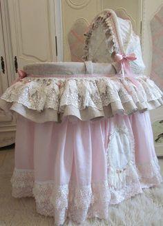 Ангела шнурка: очень розовый Моисей корзины.