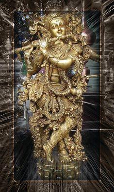 Sri Krishna Jayanthi or Krishna Janmashtami 2020 Rituals assures success in all spheres and eliminates all negative influences. Lord Krishna Images, Radha Krishna Images, Krishna Pictures, Krishna Love, Krishna Radha, Hanuman, Lord Shiva Painting, Krishna Painting, Lakshmi Images