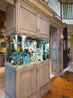 The fish tank will certainly make you obtaining relaxed and soothed doing your cooking task. Searching for the aquarium kitchen concepts? Inspect these out for your Aquarium Kitchen Ideas for A Breathtaking KitchenLivHozz Diy Aquarium, Aquarium Design, Aquarium Stand, Aquarium Fish Tank, Aquarium Setup, Fish Tank Wall, Glass Fish Tanks, Cool Fish Tanks, Saltwater Fish Tanks