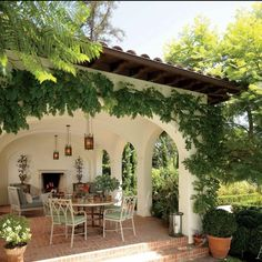 Discover the work of Appleton Partners, from a Spanish-inflected house in Santa Monica, California, to a New England–style home in Santa Barbara. home decor exterior California Cool Architecture and Design from Appleton Partners LLP-Architects Style At Home, Colonial Revival Architecture, New England Style Homes, Spanish Style Homes, Spanish Bungalow, Spanish Style Interiors, Spanish Revival Home, Spanish Home Decor, Spanish House Design