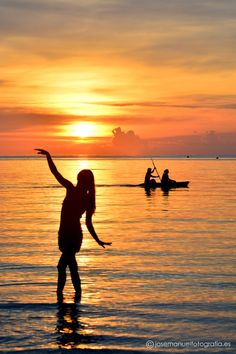 Free to be me Young Wild Free, Wild And Free, Define Art, Today Is A New Day, Silhouette Photography, Moon Pictures, Tired Eyes, Koh Tao, Best Vacations