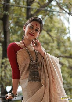 This product has been handcrafted in Afghanistan. Trendy Sarees, Stylish Sarees, Fancy Sarees, Stylish Dresses, Cotton Saree Designs, Sari Blouse Designs, Saree Poses, Saree Photoshoot, Dress Indian Style