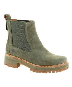 Timberland Courmayeur Courmayeur valley er en nydelig chelsea boot fra Timberland i ypperste skinnkvalitet.  Skoen er varmforet med ull/bomullsliner.  Mellomsålen er en Ortholite fotseng som gjør at skoen oppfattes utrolig myk og behagelig på.  Yttersålen er robust og grovmønstret, noe som passer perfekt til norske værforhold. #sportmann #timberland Timberlands, Chelsea Boots, Ankle Boots, Lady, Green, Shoes, Products, Fashion, Women's Booties