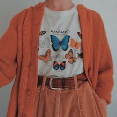 LOVE the butterfly shirt. Not necessarily the cardigan or the super baggy pants Mode Outfits, Retro Outfits, Vintage Outfits, Casual Outfits, Girl Outfits, Vintage Fashion, Vintage Clothing, Dress Vintage, Party Outfits