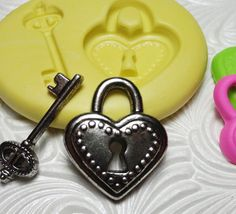 LOCK AND KEY Mold Flexible Silicone Rubber Push Mold for Resin Wax Fondant Clay Ice 6815
