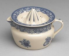 A nice blue transferware piece - great collectable.