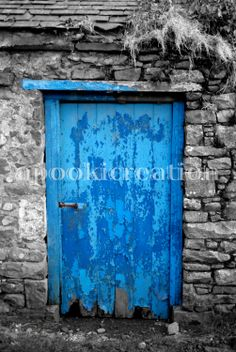 INSTANT DOWNLOAD Photograph Blue Door by apookicreation on Etsy, €2.99 Digital Prints, Photograph, Doors, Unique Jewelry, Handmade Gifts, Blue, Painting, Etsy, Vintage