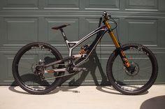 """1,817 Me gusta, 4 comentarios - Badass Mtn Bikes (@badassmtnbikes) en Instagram: """"I think we can all agree this bike is fast AF!!!! 🔹 Bike: 2017 YT Tues CF Owner: @aarongwin 🔹…"""""""