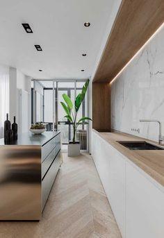 Nadire Atas on Sleek Modern Kitchen and Bathroom Marble Decor To Die For Minimal Interior Design Inspiration Interior Design Examples, Interior Design Inspiration, Design Ideas, Design Design, Design Trends, Farmhouse Style Kitchen, Modern Farmhouse Kitchens, Galley Kitchens, Farmhouse Sinks