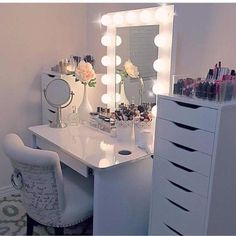 For Teenage Girls Make Them Feel Like Star Bedroom Vanity Ideas Girl Themed  Bedrooms Interior Design