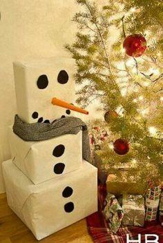 Cute way to wrap presents at christmas!!