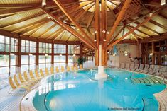 Heiltherme in Bad Waltersdorf Holiday Service, Steam Bath, Heart Of Europe, Hot Springs, Austria, Oasis, Spa, Outdoor Decor, Wellness