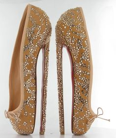 I could not help being inspired by English National Ballet ... after all ... isnt the classical dancing ballet slipper the ultimate heel? The heel which makes dancers closer than any other women to the sky, closer to heaven! an over-excited Louboutin said...Now Im excited over you Mr. Louboutin!