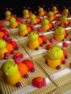 ☆ Chenille multicolore en Fimo.