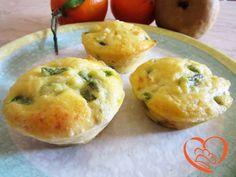 Muffins con asparagi http://www.cuocaperpassione.it/ricetta/ab291f4c-9f72-6375-b10c-ff0000780917/Muffins_con_asparagi