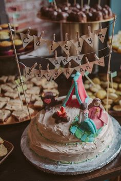 campfire cake toppers // photo by The Gemmers