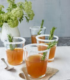 Christmas Cocktail - Holiday Cocktail Recipes - Rosemary-Infused Honey Sidecars - An herb sprig, sugared rim, and dash of honey — swapped in for orange liqueur — update the classic Cognac cocktail. Click through for the recipe. Refreshing Summer Cocktails, Cocktail Drinks, Cocktail Recipes, Pool Drinks, Fun Cocktails, Easter Dinner Recipes, Delicious Dinner Recipes, Holiday Recipes, Delicious Deserts