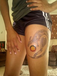 Kangaroo Aboriginal Tattoo Design on Leg Weird Tattoos, Cute Tattoos, New Tattoos, Tattoos For Guys, Craziest Tattoos, Aboriginal Tattoo, Aboriginal Art, Arm Tattoo, Sleeve Tattoos