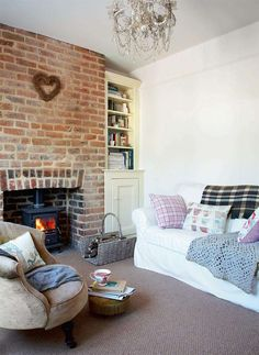 Readers' Choice 2011: Sarah Locke and Stephen Bradshaw bought this Victorian cottage not far from the Lancashire coast in 2009; in less than one year they have completely renovated it, bringing out its character. See more: http://www.periodliving.co.uk/homes-gardens/readers-homes/renovated-shrimpers-cottage