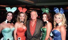 "Hugh Hefner: o libertário, o feminista, o misógino, o ""playboy"" supremo Hugh Hefner Death, Pretty Woman, Become A Dog Trainer, Objectification Of Women, Trendy Halloween, Bunny Costume, Thing 1, Brooke Shields, Playboy Bunny"
