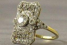 Un anillo de diamantes que es parte de la exhibición de las joyas del Titanic. Foto:Reuters