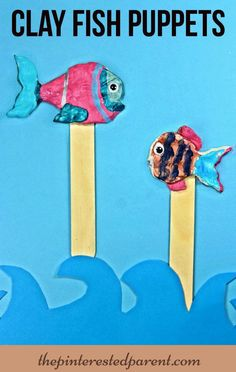 Painted air dry clay fish puppets - summer arts & crafts for kids Summer Arts And Crafts, Summer Art Projects, Clay Art For Kids, Crafts For Kids, Cute Crafts, Craft Stick Crafts, Clay Fish, Air Dry Clay, Art Education