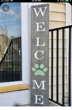 Outdoor Welcome Sign, Welcome Signs Front Door, Wooden Welcome Signs, Diy Wood Signs, Outdoor Wood Signs, Patio Signs, Outdoor Decor, Outdoor Stuff, Front Yard Decor
