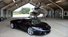 Lamborghini Aventador vs. F-16 - Who do you thinks is gonna win?