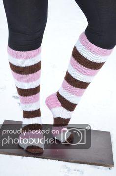 Made by Heidi -bklogissa herkullisia sukkia Novita 7 Veljestä -langasta! Knitting Projects, Knitting Patterns, Sock Toys, How To Purl Knit, Knee Socks, Knitting Socks, Leg Warmers, Mittens, Knit Crochet