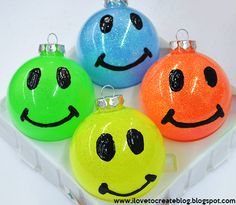 Happy Face Neon Glitter Ornaments DIY- These ornaments are sure to bring a smile every time you see them! Glitter Ornaments, Diy Christmas Ornaments, Christmas Colors, Christmas Projects, Christmas Crafts, Christmas Bulbs, Puffy Paint, Meme Design, Teacher Ornaments