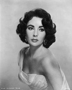 Melenas legendarias. Elizabeth Taylor (Cleopatra en mi mente).