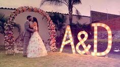 Letras y flores para una boda romántica