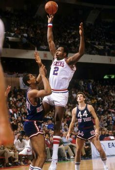 """Three-time NBA MVP, All Star and Hall of Famer Moses Malone died at age 60 due to cardiovascular disease one year ago on Sept. In remembrance of the """"Chairman of the Boards,"""" we present these classic SI photos of """"Big Mo. Basketball Photos, Basketball Legends, Basketball Players, College Basketball, Moses Malone, James Worthy, Sports Stars, Nba Stars, Basketball Photography"""