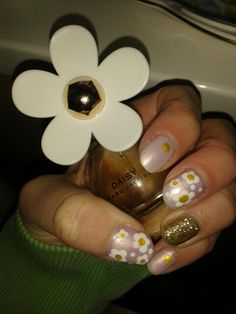 Marc Jacobs daisy nails I've done! :-)