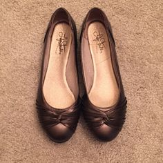 Slip On Flats Gorgeous slip on flats. Very neat front design. Have been worn but still wearable  **Final Sale** Life Stride Shoes Flats & Loafers