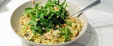 Gewoon wat een studentje 's avonds eet: Dinner: Pasta met zalm, pestoroomsaus, rucola en pijnboompitten