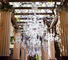 Tableau de chandelier per solennizzare un matrimonio dallo stile imperiale   Cira Lombardo Wedding Planner
