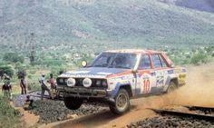 Rally Raid, Nissan Infiniti, Daihatsu, African Safari, Car And Driver, Kenya, Race Cars, Monster Trucks, Racing