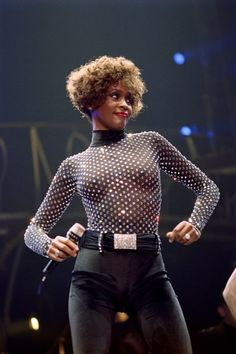 A file picture taken on October 1991 in Paris shows US singer Whitney Houston performing at the POPB . Grammy-winning pop legend and actress Whitney Houston was found dead on February 2012 in. Get premium, high resolution news photos at Getty Images Beverly Hills, Whitney Houston Pictures, Whitney Houston 80s, Vintage Black Glamour, Mikey, Thing 1, Paris Shows, Poses, Female Singers