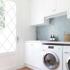 Who says that having a small laundry room is a bad thing? These smart small laundry room design ideas will prove them wrong. Laundry Room Layouts, Small Laundry Rooms, Laundry Room Storage, Laundry In Bathroom, Laundry Decor, Laundry Area, Bathroom Mirrors, Small Bathroom, Small Utility Room