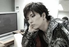 gackt interview gif - Google keresés Gackt, Visual Kei, Japanese Fashion, Record Producer, Interview, Singer, Cosplay, Actors, Music