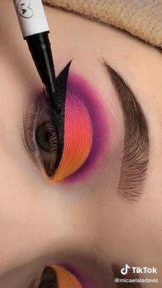 Eye Makeup Designs, Eye Makeup Art, Eyebrow Makeup, Eyeshadow Makeup, Bright Eye Makeup, Colorful Eye Makeup, Cat Eye Makeup Tutorial, Graphic Makeup, Rave Makeup