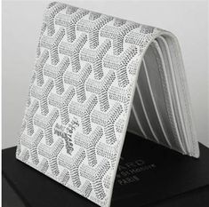goyard bi-fold wallet 020085 white